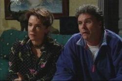 Joe Scully, Lyn Scully in Neighbours Episode 3842