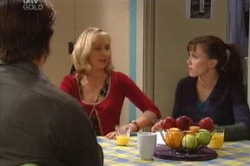 Maggie Hancock, Libby Kennedy  in Neighbours Episode 3845