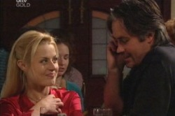 Dee Bliss, Victor McMillan in Neighbours Episode 3848