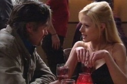 Victor McMillan, Dee Bliss in Neighbours Episode 3851