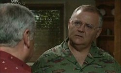 Lou Carpenter, Harold Bishop in Neighbours Episode 3853