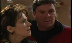 Lyn Scully, Joe Scully in Neighbours Episode 3854