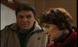 Joe Scully, Lyn Scully in Neighbours Episode 3854