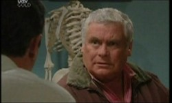 Karl Kennedy, Lou Carpenter in Neighbours Episode 3854
