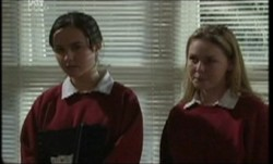Bianca Nugent, Michelle Scully in Neighbours Episode 3856