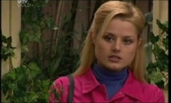Dee Bliss in Neighbours Episode 3856