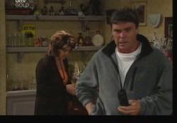 Joe Scully, Lyn Scully in Neighbours Episode 3859
