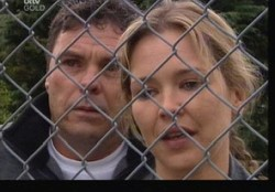 Steph Scully, Joe Scully in Neighbours Episode 3859