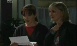 Susan Kennedy, Maggie Hancock in Neighbours Episode 3860