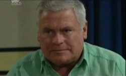 Lou Carpenter in Neighbours Episode 3860