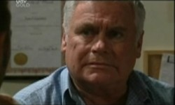 Lou Carpenter in Neighbours Episode 3861