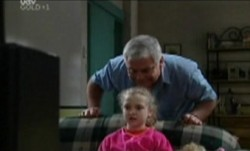 Louise Carpenter (Lolly), Lou Carpenter in Neighbours Episode 3862