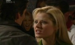 Darcy Tyler, Dee Bliss in Neighbours Episode 3862