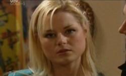 Dee Bliss in Neighbours Episode 3863