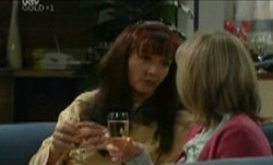 Susan Kennedy, Maggie Hancock in Neighbours Episode 3865