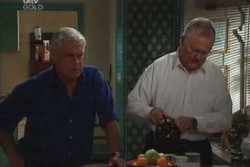 Harold Bishop, Lou Carpenter in Neighbours Episode 3866