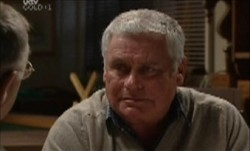 Lou Carpenter in Neighbours Episode 3870