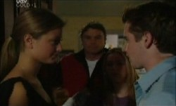 Felicity Scully, Joe Scully, Michelle Scully, Tad Reeves in Neighbours Episode 3871