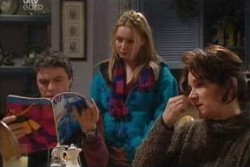 Joe Scully, Michelle Scully, Lyn Scully in Neighbours Episode 3874