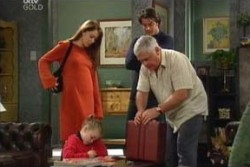 Libby Kennedy, Louise Carpenter (Lolly), Lou Carpenter, Drew Kirk in Neighbours Episode 3876