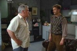 Lou Carpenter, John Allen in Neighbours Episode 3877