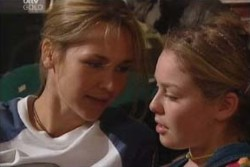 Steph Scully, Michelle Scully in Neighbours Episode 3877