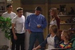 Paul McClain, Tad Reeves, Joe Scully, Felicity Scully, Steph Scully, Michelle Scully in Neighbours Episode 3877