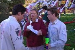 Paul McClain, Felicity Scully, Tad Reeves in Neighbours Episode 3877