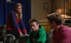 Felicity Scully, Leo Hancock, Tad Reeves in Neighbours Episode 3882