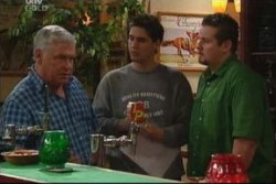Lou Carpenter, Matt Hancock, Toadie Rebecchi in Neighbours Episode 3885