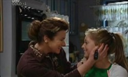 Lyn Scully, Felicity Scully in Neighbours Episode 3888
