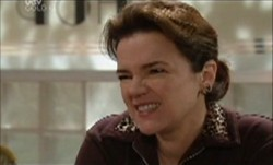Lyn Scully in Neighbours Episode 3888