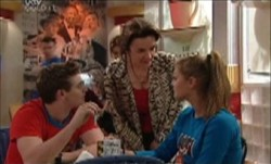 Tad Reeves, Lyn Scully, Felicity Scully in Neighbours Episode 3889