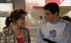 Lyn Scully, Paul McClain in Neighbours Episode 3889