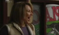 Steph Scully in Neighbours Episode 3890