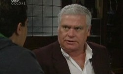 Lou Carpenter in Neighbours Episode 3891