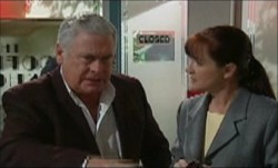 Lou Carpenter, Susan Kennedy in Neighbours Episode 3891