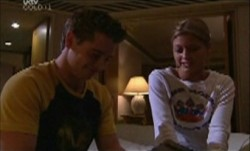 Tad Reeves, Felicity Scully in Neighbours Episode 3892