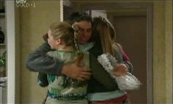 Michelle Scully, Joe Scully, Felicity Scully in Neighbours Episode 3892
