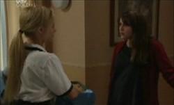 Dee Bliss, Libby Kennedy in Neighbours Episode 3893