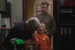 Lou Carpenter, Louise Carpenter (Lolly), John Allen in Neighbours Episode 3895