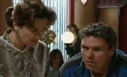 Lyn Scully, Joe Scully in Neighbours Episode 3898