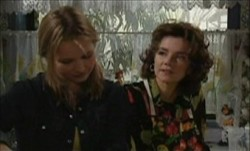 Lyn Scully, Steph Scully in Neighbours Episode 3901