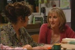 Lyn Scully, Maggie Hancock in Neighbours Episode 3904