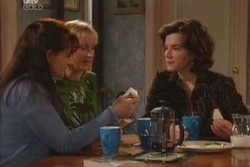 Susan Kennedy, Lyn Scully, Maggie Hancock in Neighbours Episode 3905