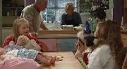 Lou Carpenter, Emily Hancock, Maggie Hancock, Louise Carpenter (Lolly) in Neighbours Episode 3909
