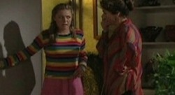 Michelle Scully, Lyn Scully in Neighbours Episode 3910