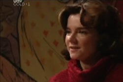 Lyn Scully in Neighbours Episode 3911