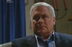 Lou Carpenter in Neighbours Episode 3915