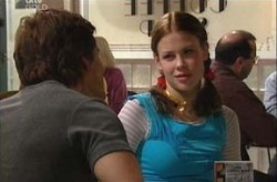 Elly Conway, Darcy Tyler in Neighbours Episode 3924